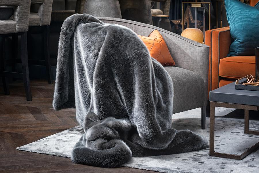 Ventura Design Faux fur throw